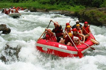 white-water-rafting-kitulgala