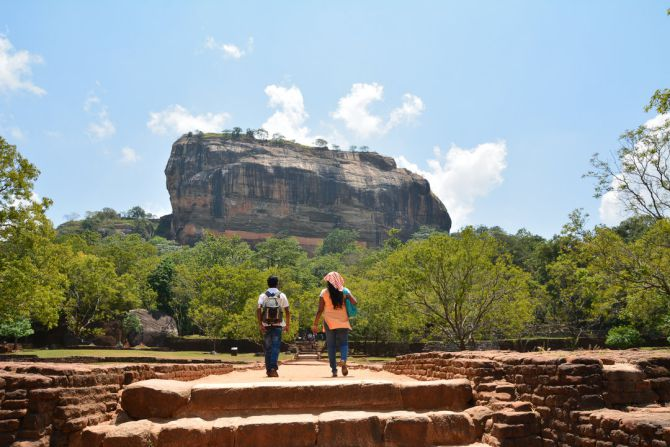 sigiriya-lion-rock-climb