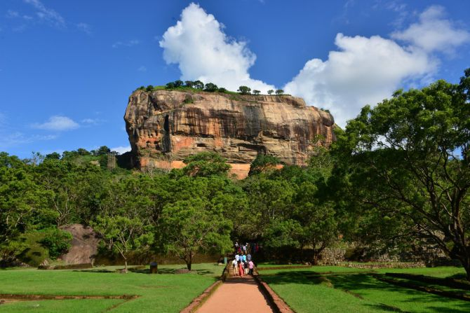 sigiriya-lion-rock